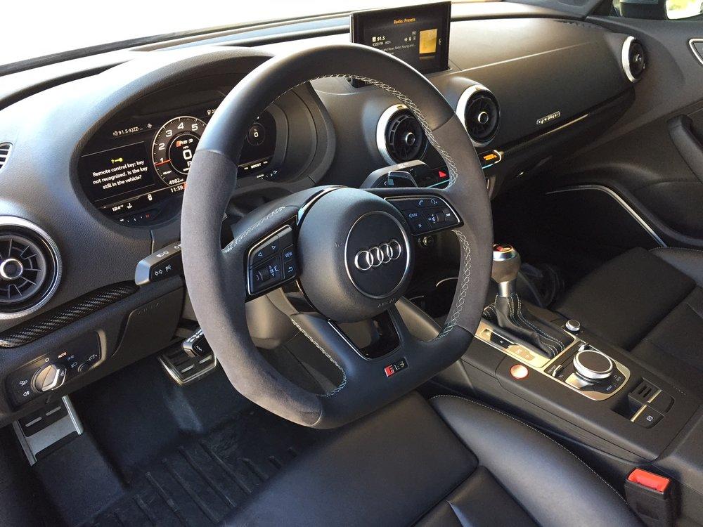 Audi RS3 Cockpit 2.JPG