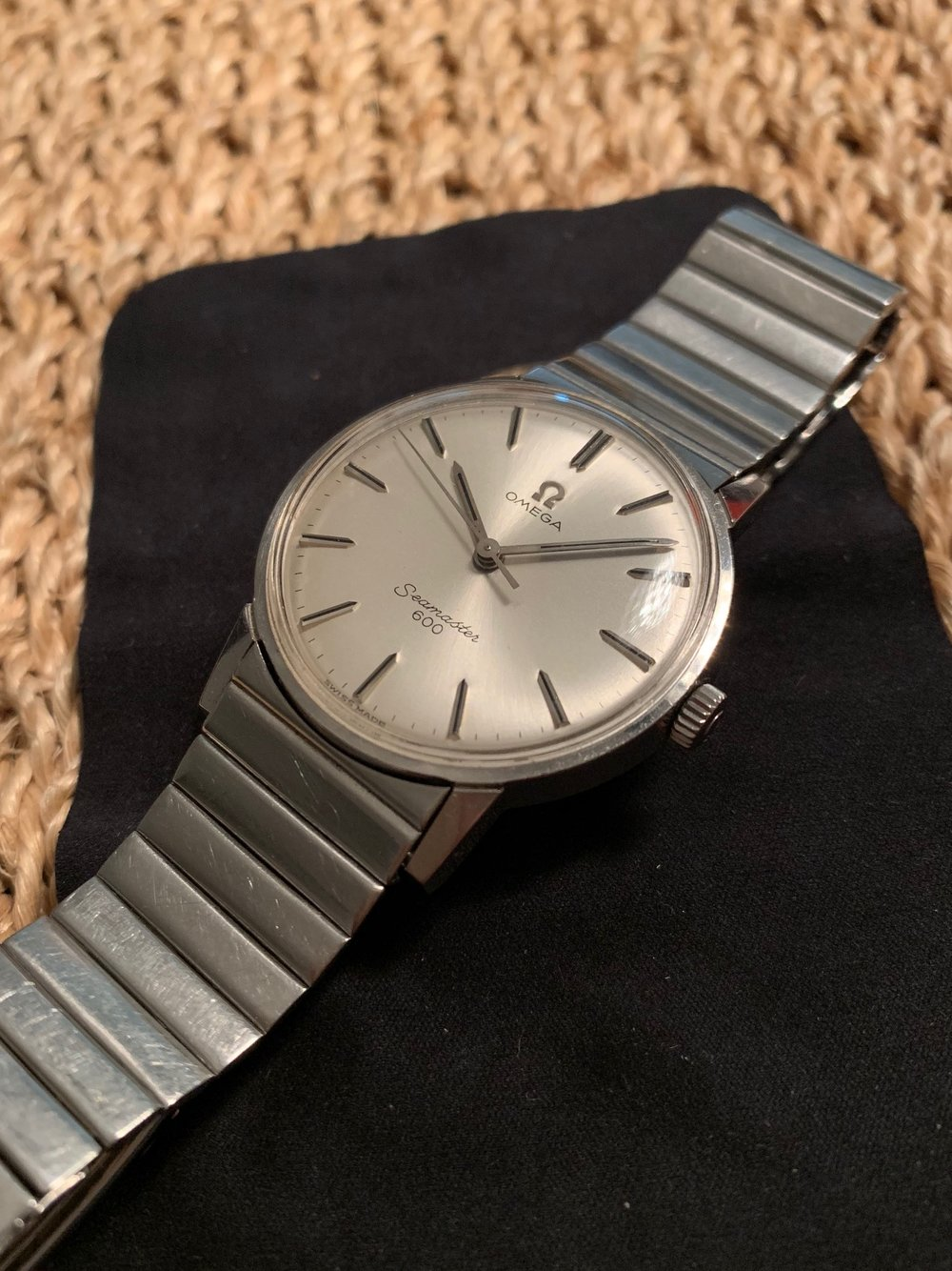Sharp Case and Clean Dial
