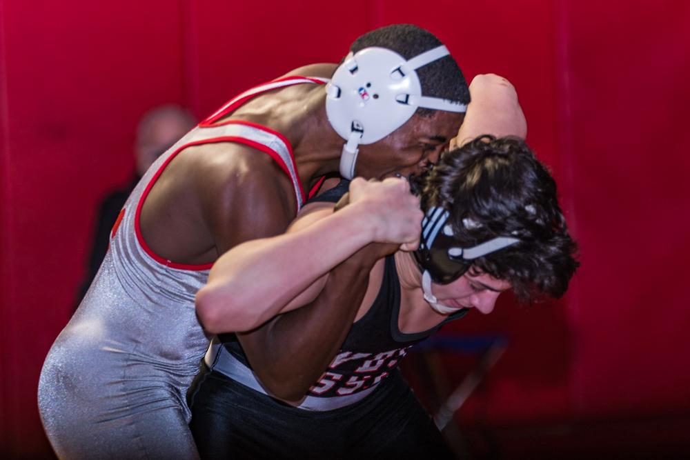 Bloomfield-HS-Varsity-Wrestling-2016--0041.jpg
