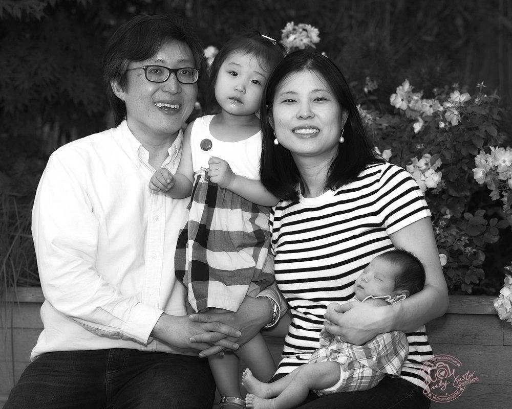 Gilbert-Ong-Family-Portraits-06242017-0022-BW.jpg