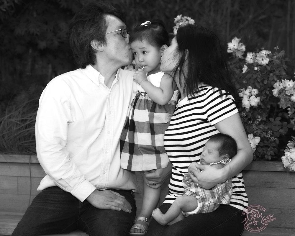 Gilbert-Ong-Family-Portraits-06242017-0027-BW.jpg