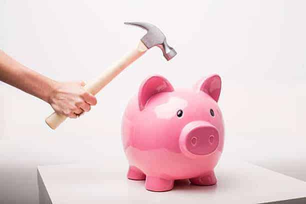 Piggy-bank-hammer.jpg