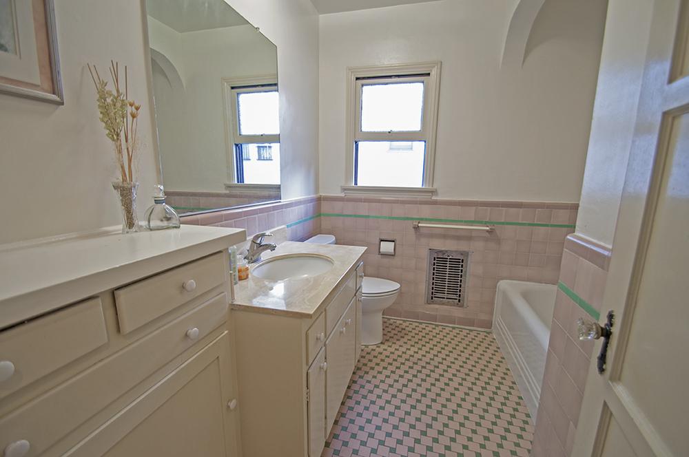 13-4353-York_Bathroom1_web.jpg