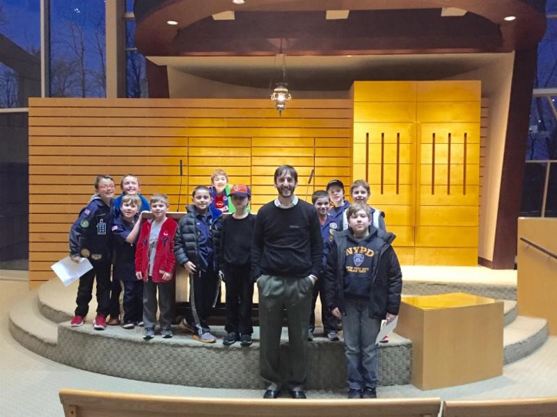 Our Cub Scout pack with Rabbi Josh Strom on a visit to Congregation B'Nai Yisrael in 2016