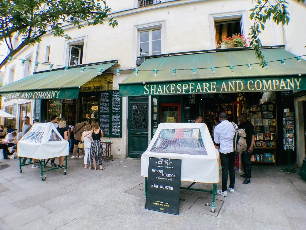 paris france shakespeare co books