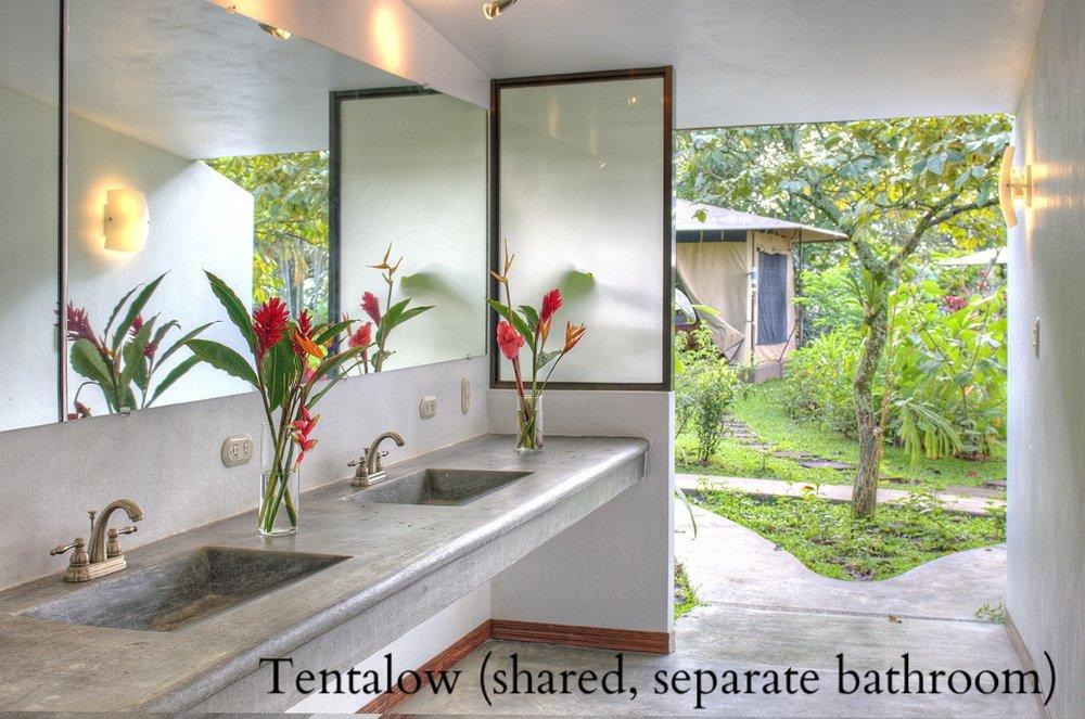 0007_Bathrooms 3.jpg