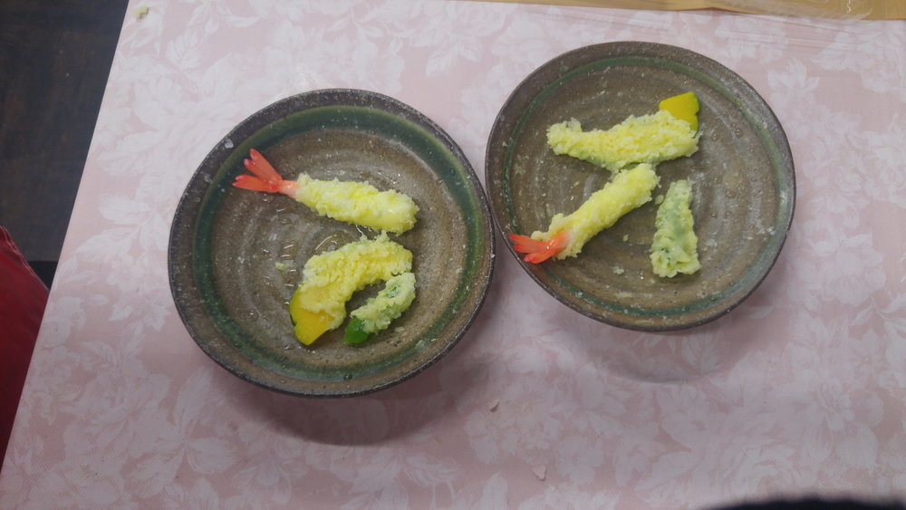 "Making fake food models (""samples"" in Japanese) of tempura"