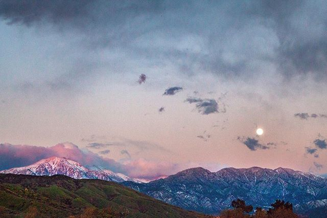 Sometimes it takes you 4 hours just to get down the mountain, but that's okay because you reach the flats at the perfect time to catch the  full moon rise over the alpenglow 🌕  #fullmoon #alpenglow #mountains