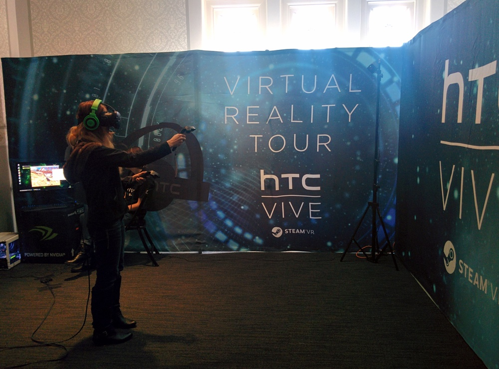 Ashton tries her hand at the HTC Vive