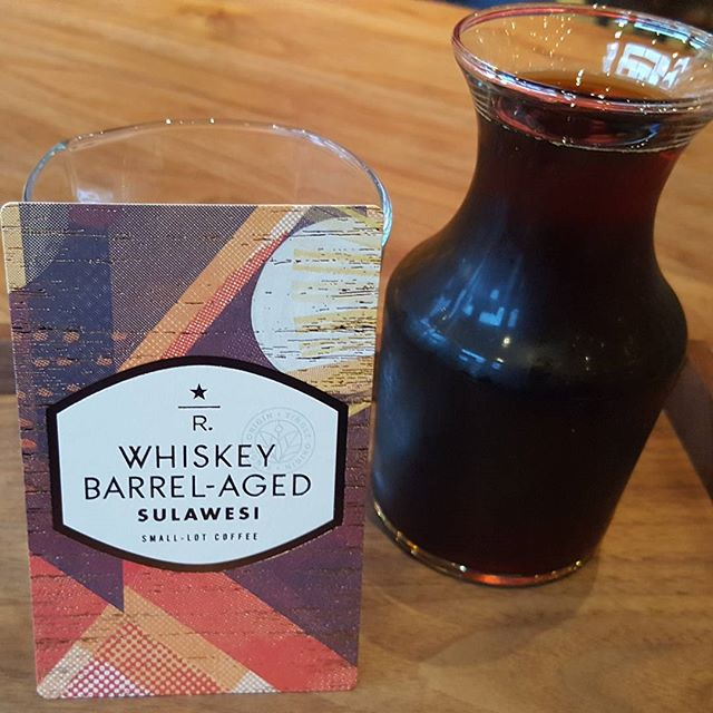This cold brew coffee made with Whiskey Barrel-Aged Sulawesi is amazing. It's like flavors of Irish cream, vanilla and great coffee all meet together for a cold coffee delight.  More info in link in profile. You must try. If you can get yourself to the @starbucksroastery to try this, do it. #Starbucks #starbucksreserve #StarbucksRoastery #whiskey