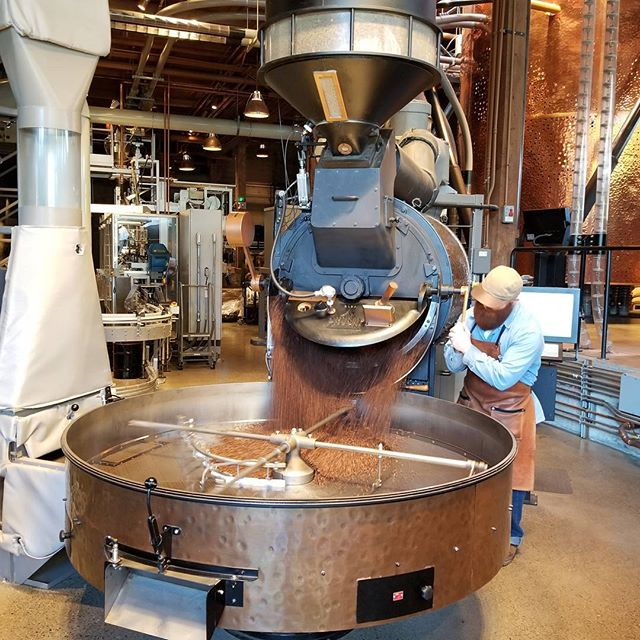 Love the moment coffee comes pouring out of the roaster! Brandon is roasting Guatemala El Gigante. #tobeapartner