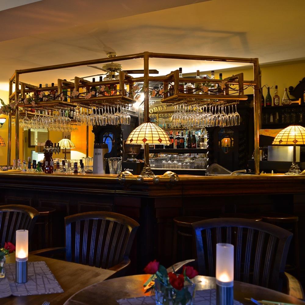 Bobbys Restaurant Bar 1.jpg