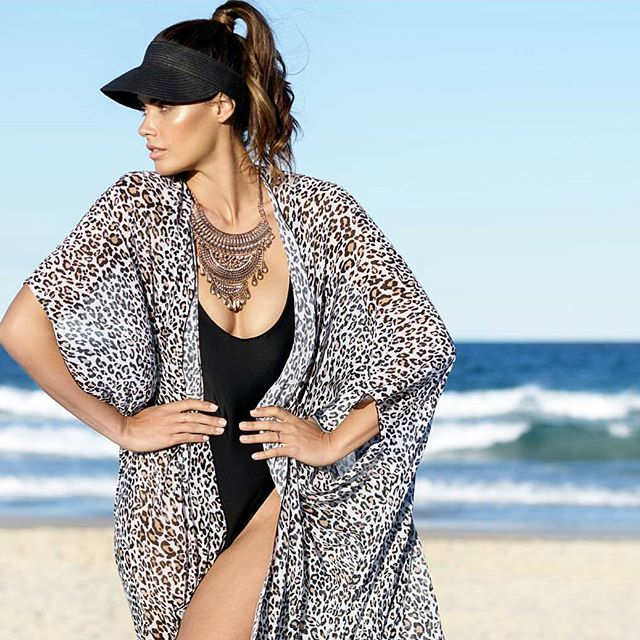 Campaign // @cape_capri 🌴 🌞 // Photographer @daveblakephoto  Stylist @hayleycannonstylist  Makeup and hair 💄 🙆 Agent @illuminatemanagement  #jessicacagney #makeup #hairstylist  #makeupartist #campaign #beachcapes #beachwear #location #stylist #summeriscoming #sunsafe #slipslopslap #ilovemakeup #ilovemyjob #livingmydream #dreamteam