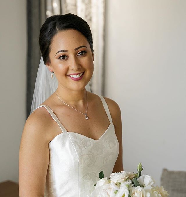 Bride Barbra 💍💐👰💄 Hair @hairicome_ 💆🏼‍♀️ @whitepearlphotography #dreamteam  #jessicacagney #makeupartist #makingeverydaywomenbeautiful #weddingmakeupartist #goldcoasthairstylist #goldcoastmakeupartist #weddingmakeupartistgoldcosst #makeupandhair #easyweddings @easyweddings #bride #weddingday #flawless