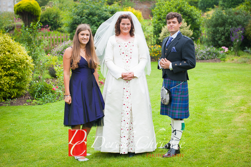 Alison-Jons-Wedding-At-Dirleton-Castle-9-of-40.jpg