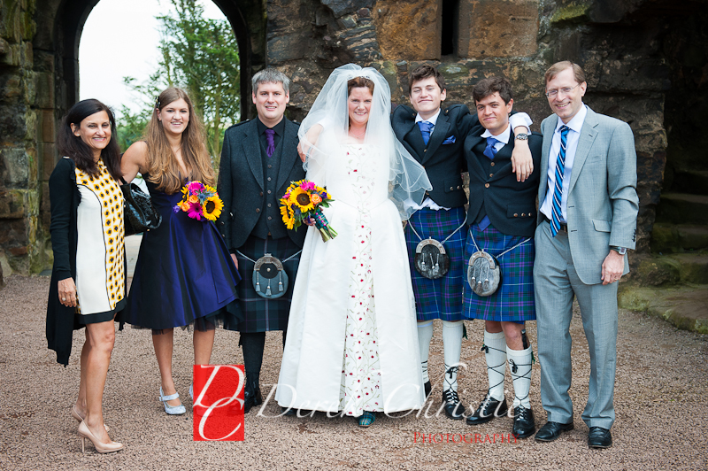 Alison-Jons-Wedding-At-Dirleton-Castle-23-of-40.jpg