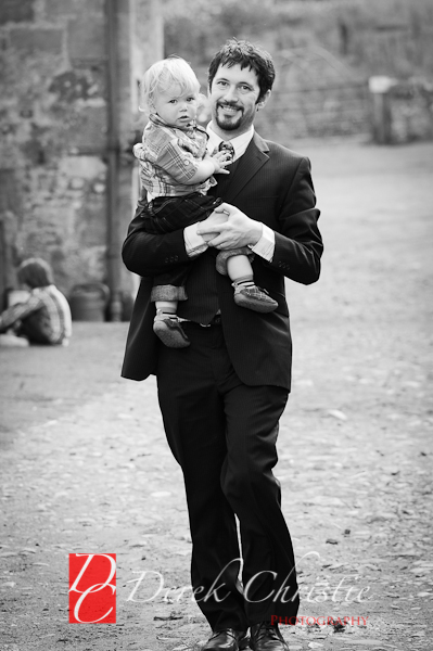 Alison-Jons-Wedding-At-Dirleton-Castle-33-of-40.jpg