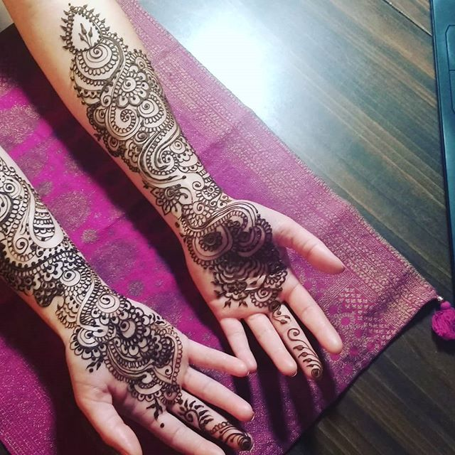 #Bridal work is one of the most incredible things I get to do as a henna artist.  This bride wanted her inner fingertips to elbow adorned with good stuff!  It's always best to have bridal henna done 2-3 days before the wedding to allow time for the stain to develop!  #naturalhenna #homemade #hennaartist #pensacolabeach #pensacolahenna #destinhenna #bridalhenna #bridalmehendi #mehendi #pensacolavibes #destin #gulfbreeze #hennatattoo #henna
