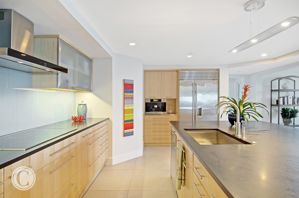 Jax Bch. Renovation, Acquilis Condominium, Kitchen, ©Wally Sears Photography