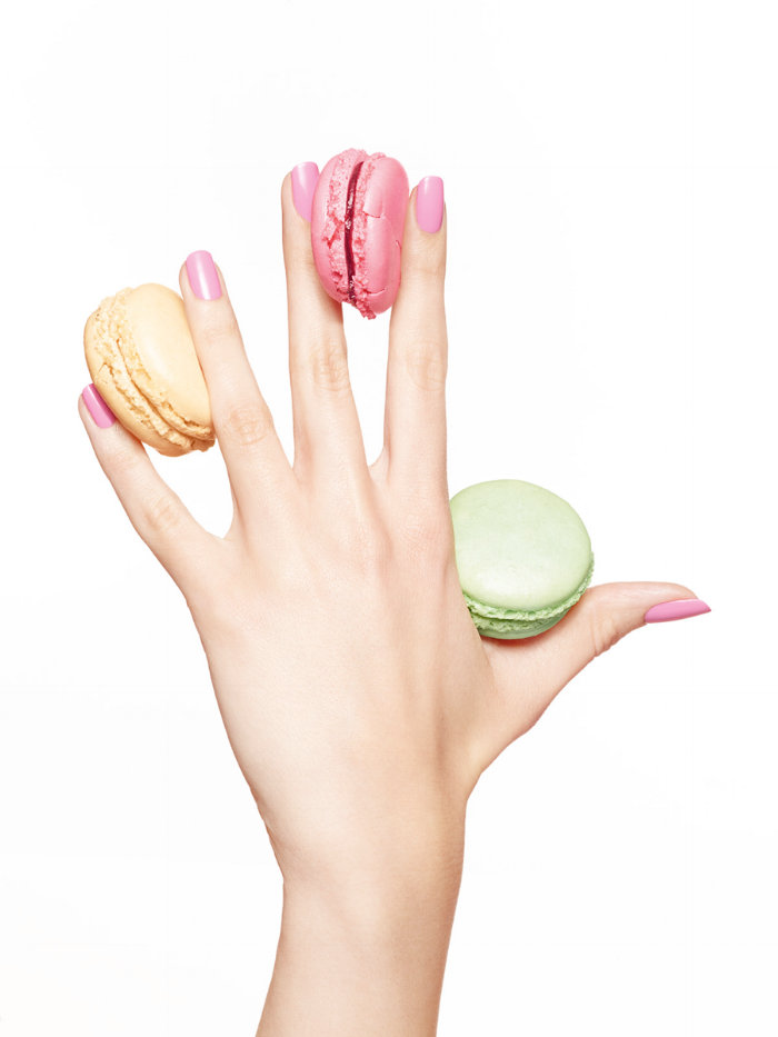 pink-nails-macaroons