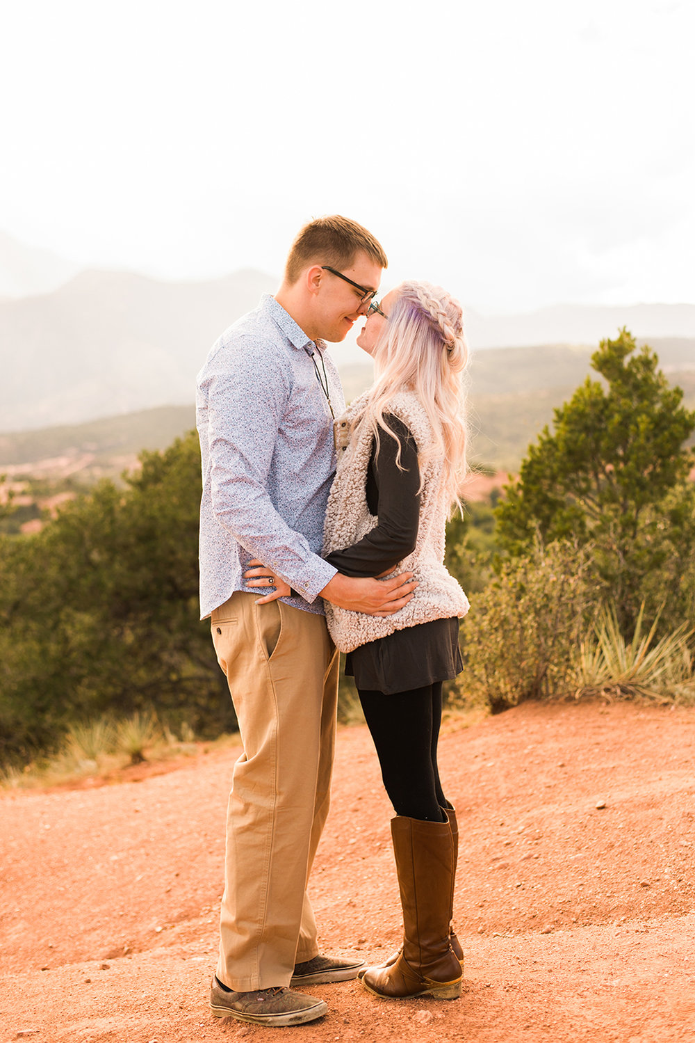 garden-of-the-gods-engagement-session-colorado-springs-wedding-photographer-k-m-9.jpg
