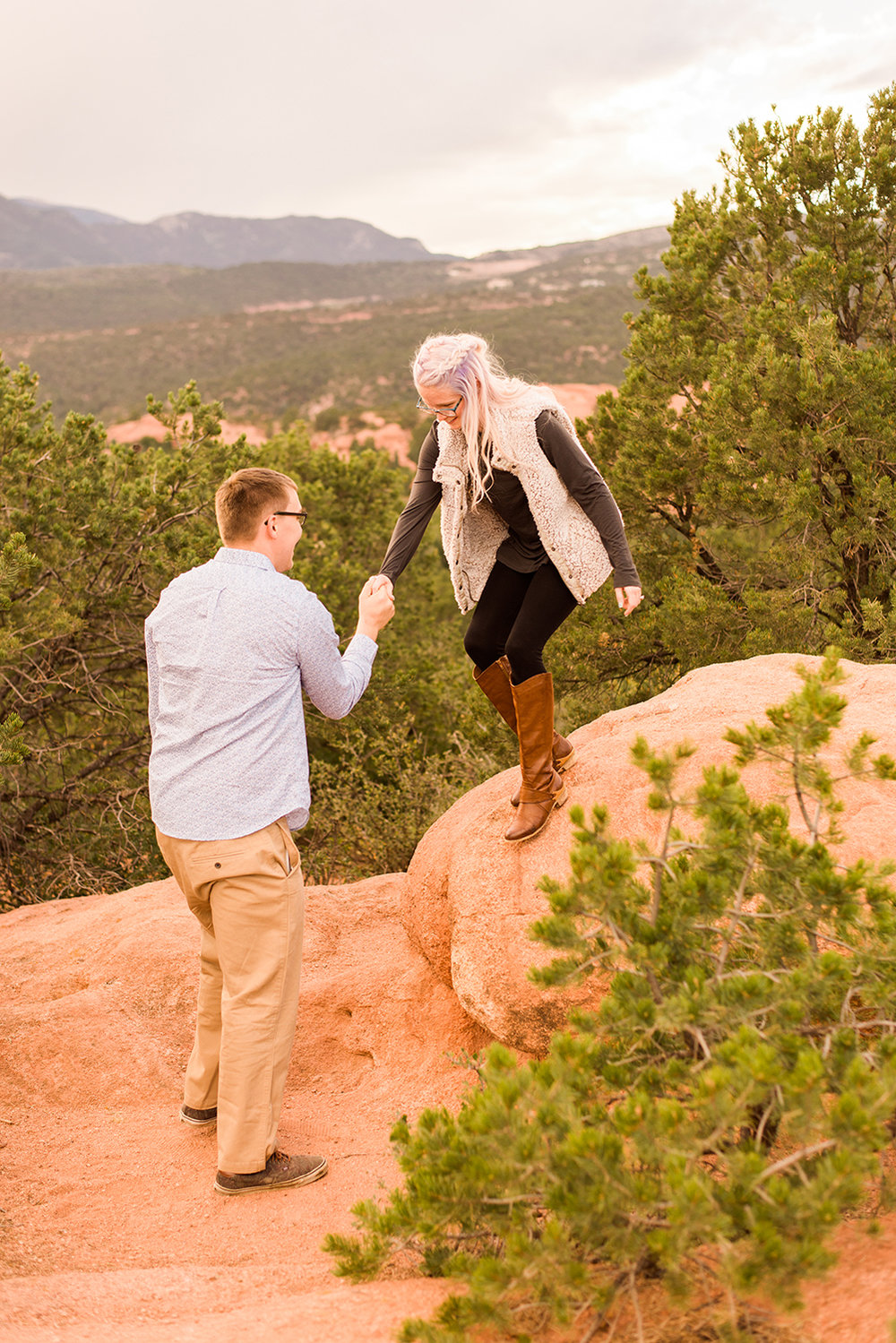 garden-of-the-gods-engagement-session-colorado-springs-wedding-photographer-k-m-16.jpg