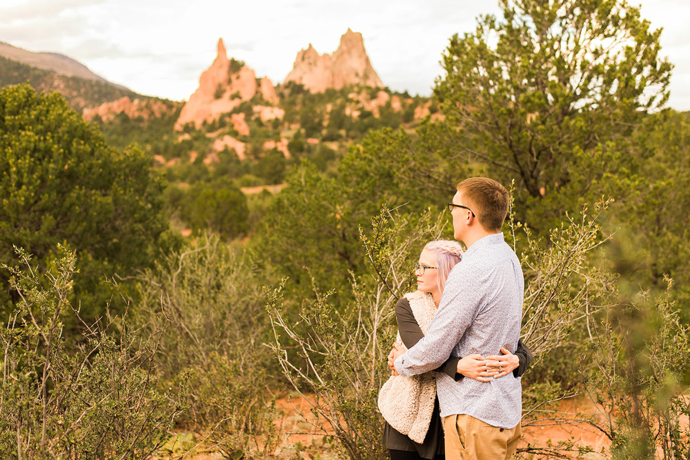 garden-of-the-gods-engagement-session-colorado-springs-wedding-photographer-k-m-20.jpg