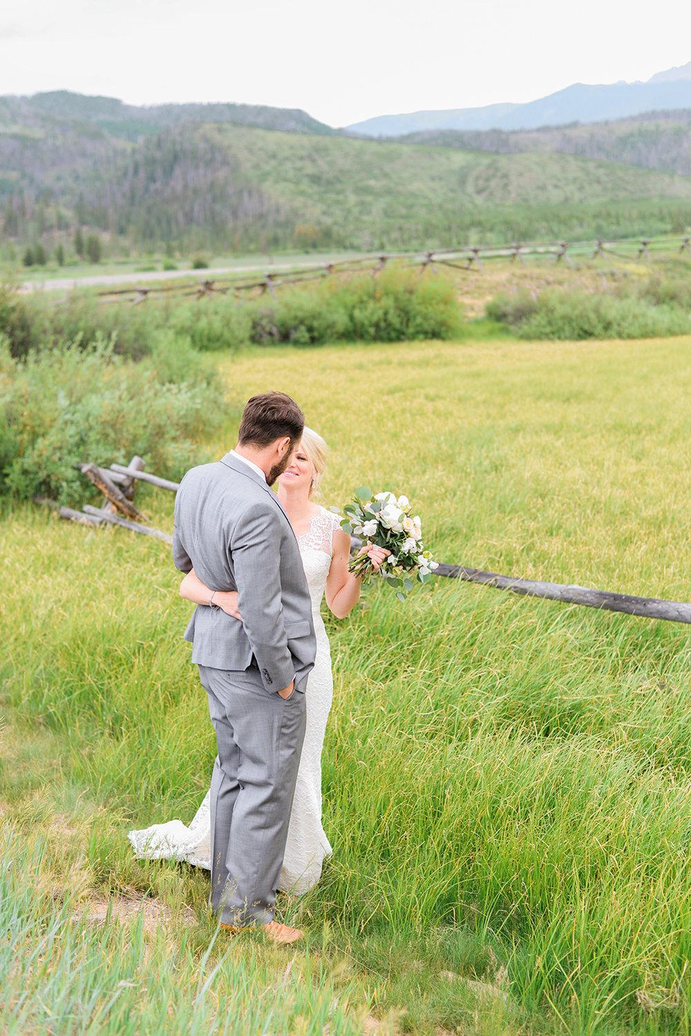 colorado-mountain-wedding-photographer-devils-thumb-ranch-wedding-n-k-5.jpg