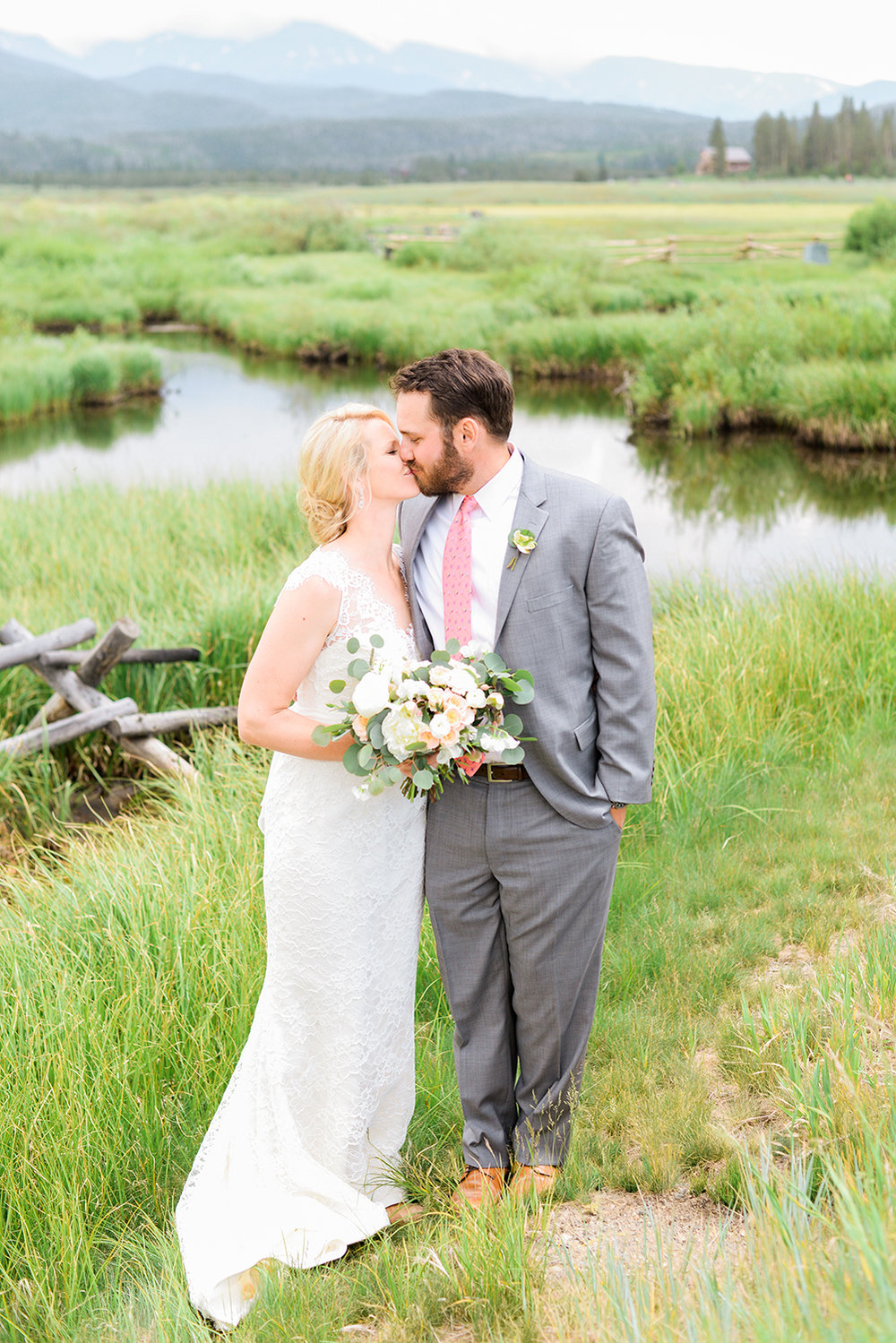 colorado-mountain-wedding-photographer-devils-thumb-ranch-wedding-n-k-6.jpg