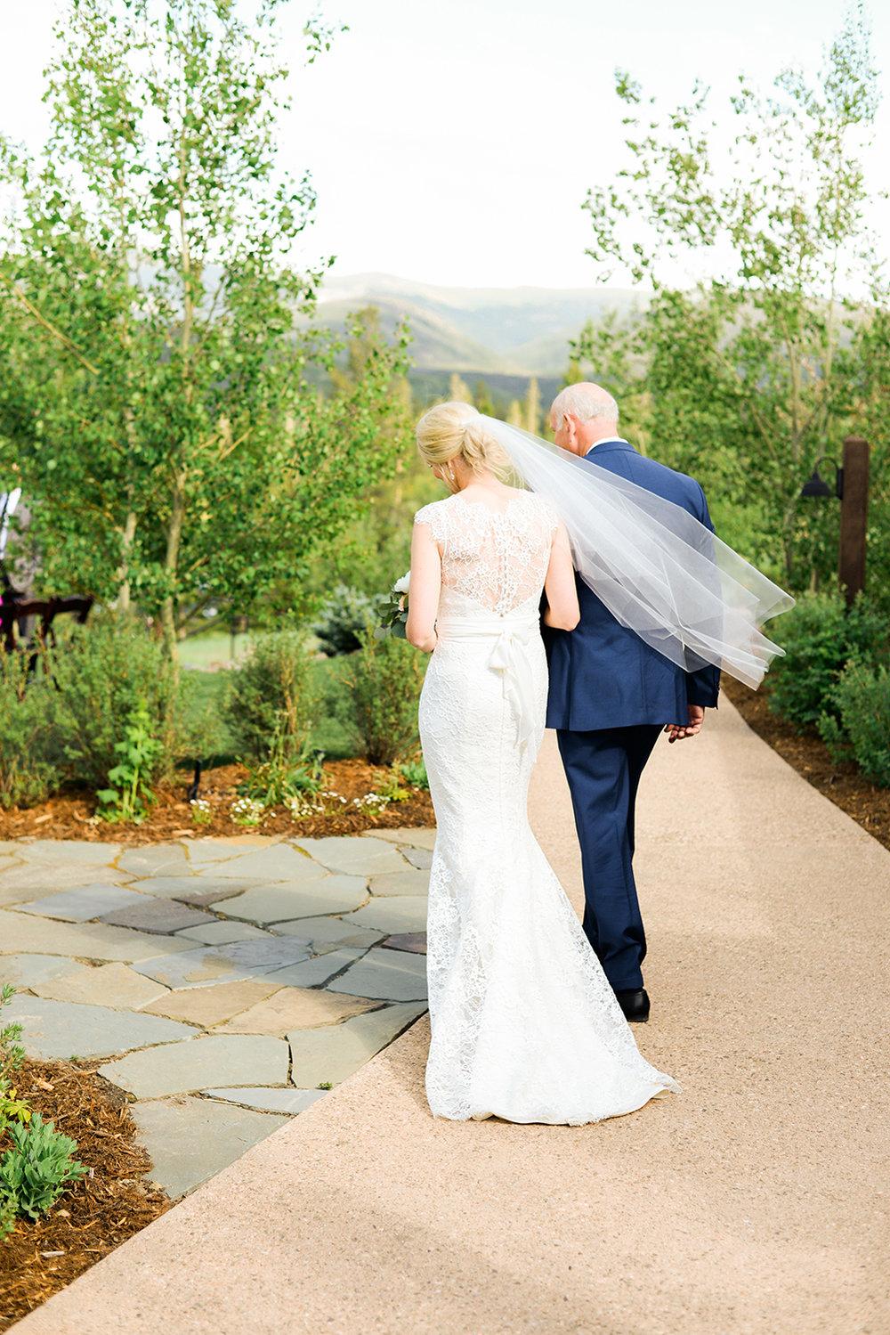 colorado-mountain-wedding-photographer-devils-thumb-ranch-wedding-n-k-17.jpg
