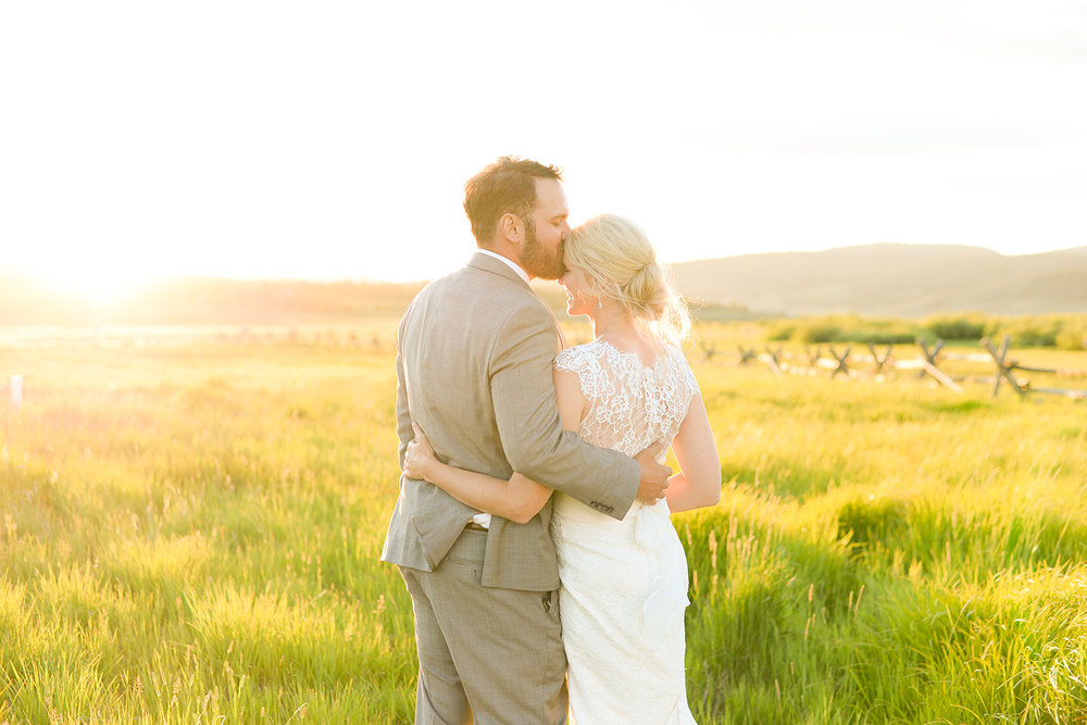 colorado-mountain-wedding-photographer-devils-thumb-ranch-wedding-n-k-37.jpg
