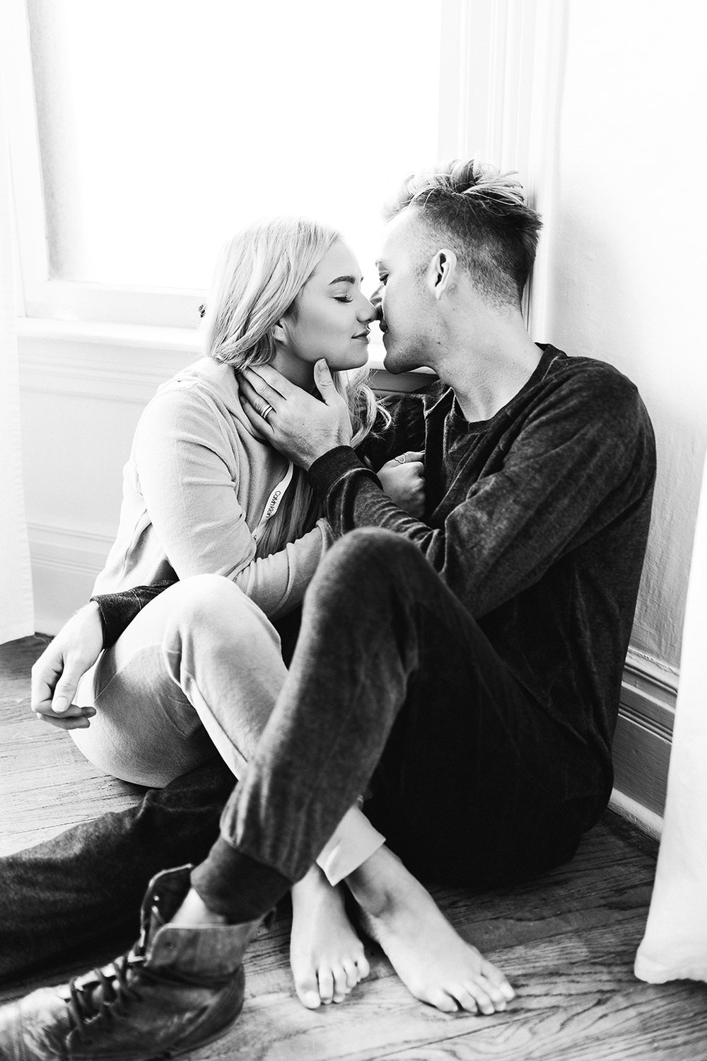in-home-couples-session-colorado-photographer-12.jpg