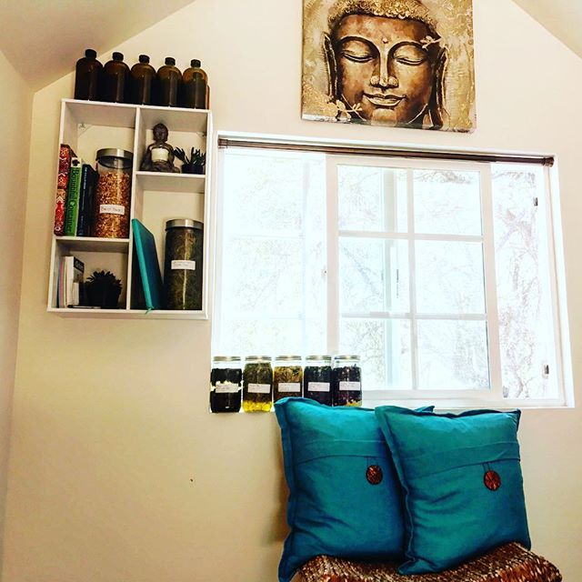 First workday in my new mountain herbal studio! Starting off with some amazing herbal infused oils for topical products... stay tuned.  #herbs #naturalbeauty #healing #herbalmedicine #alchemy #naturalskincare
