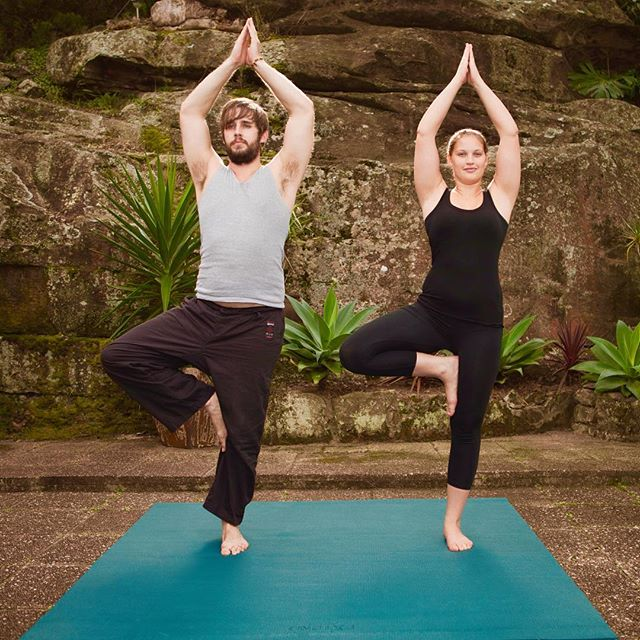 The Extend Square mat is perfect for couples yoga #extend360 #freedomtomove #letstraintogether