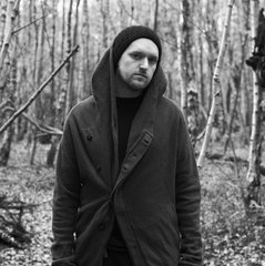 "Producer and Singer Sohn Shares an Exclusive Video of ""Artifice"""