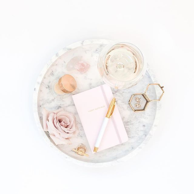 Let's talk wedding jewelry! 💍 (ya know, besides the ring) I love when brides use a piece of jewelry that has been passed down through their family through generations.👩‍👧 Always so unique and  gives an extra special touch & sentiment to such a special day!⠀ ⠀ ⠀ #bridetobe #isaidyes #weddinginspo #weddingjewelry  #heirloom #bridaljewelry  #weddinggown #bridalfashion #misstomrs #bridalinspo #familyvalues #bridevibes #weddingwire #weddingaccesories #floridaweddings #gettinghitched #weddingadvice  #engaged #marryingmybestfriend #futurewifey #wereengaged #weddingring #engagementring #heasked #orlando #bride2018 #engagedlife #fortheloveoflove  #weddingtrends #weddingtrends2018