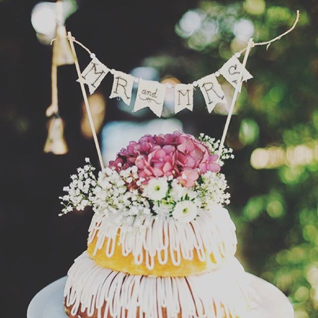 ❤️ Nothing Bundt Love ❤️. . . . . . #nothingbundtlove #bundtcake #weddingcakealternative #weddingcake #weddingcakegoals #bridetobe2018 #bride2019 #pinterestwedding #sourceunknown #cakery #weddingtrends #misstomrs #engagedaf #hipsterwedding #uniquewedding #weddingaddict #weddingplanner #floridaweddingplanner #tampaweddingplanner #nakedcake #loveissweet #weddingtips #minibundtcakes #weddingdetails #weddingplanningbegins