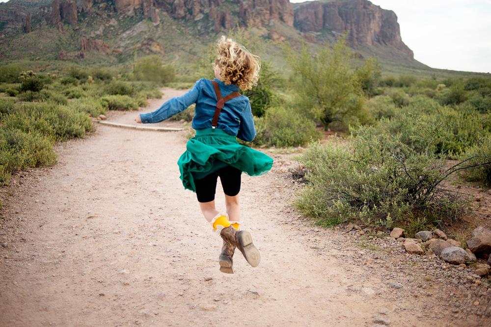 037-phoenix-family-photographer-childrens-photography-in-desert.jpg
