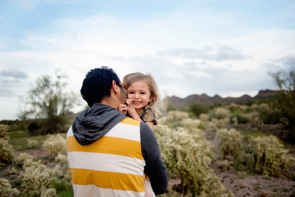 051-family-photographer-in-phoenix-takes-photos-of-children--kids--babies--families-in-mesa-arizona.jpg