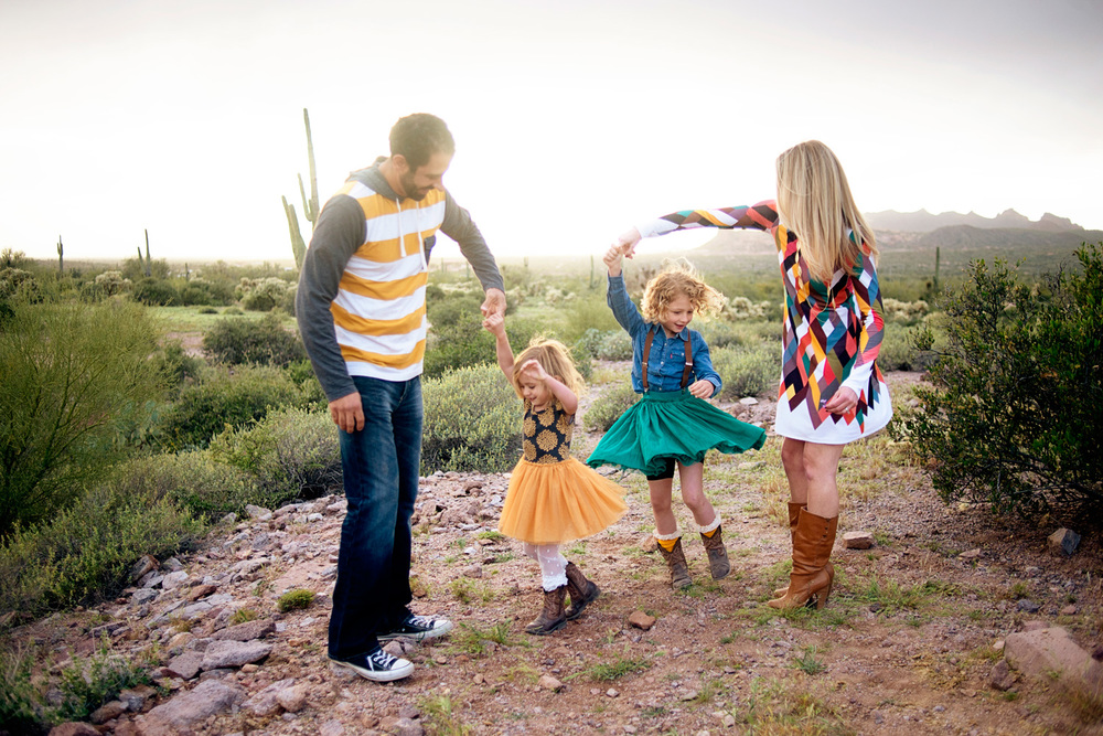 054-family-photographer-in-phoenix-takes-photos-of-children--kids--babies--families-in-mesa-arizona.jpg