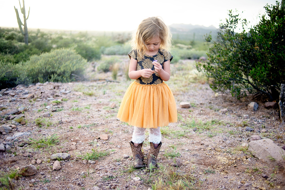 053-family-photographer-in-phoenix-takes-photos-of-children--kids--babies--families-in-mesa-arizona.jpg