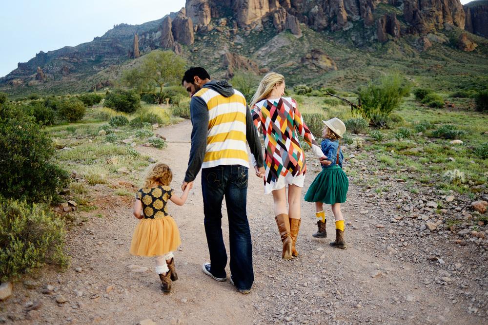 065-best-phoenix-family-photographer-with-children-in-superstition-mountains-desert.jpg