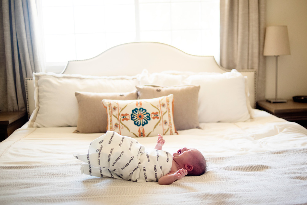 122-newborn-photographer-in-phoenix-arizona-lifestyle-session.jpg