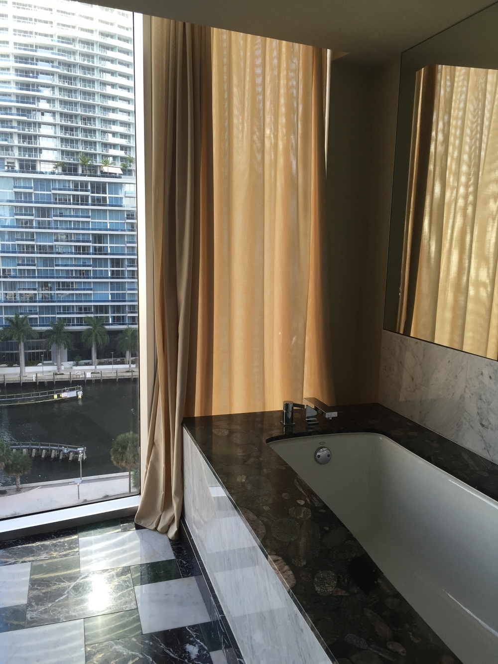 Viceroy Miami Corner Suite Tub