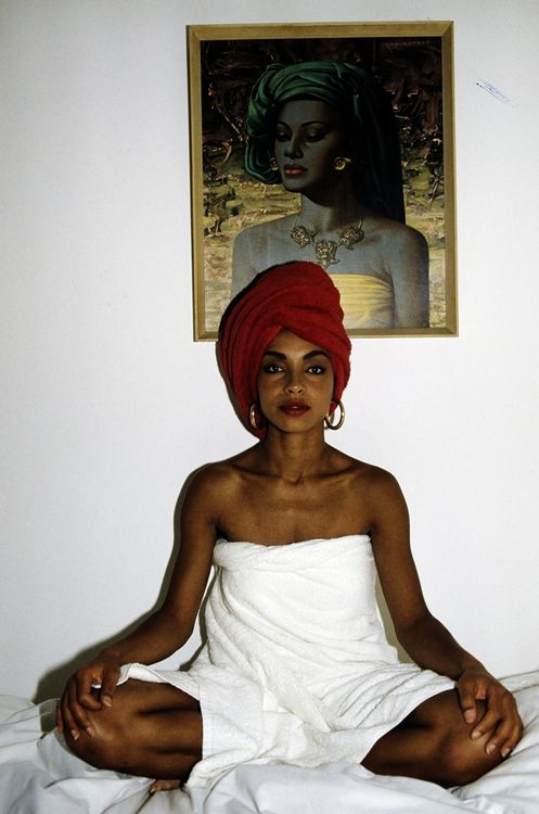 See here are those hoops again. This is  hands down  my favorite picture of Sade. ( Source )