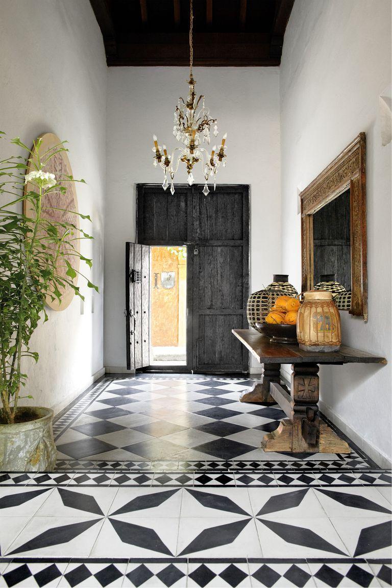 southern-charm-entryway-1533673562.jpg