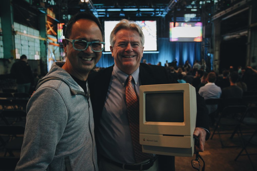 My good friend Karl Nieva and the very first guy who hired me, Alan Quarry. Alan brought his 1986 Macintosh Classic, that Woz signed after the talk. BOOM!