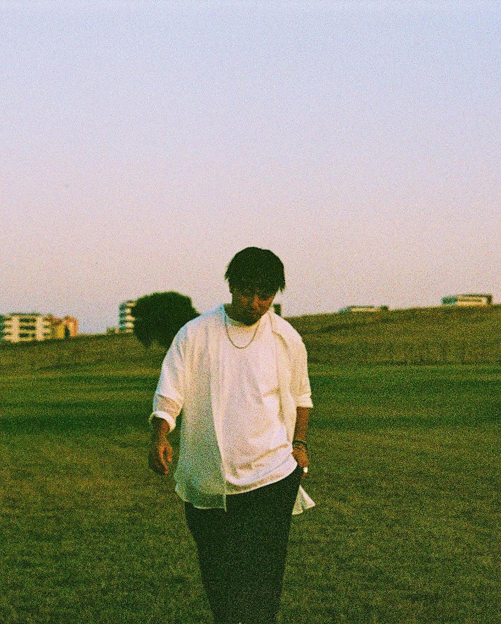 Hikaru_ Arata_artist_photo.jpg