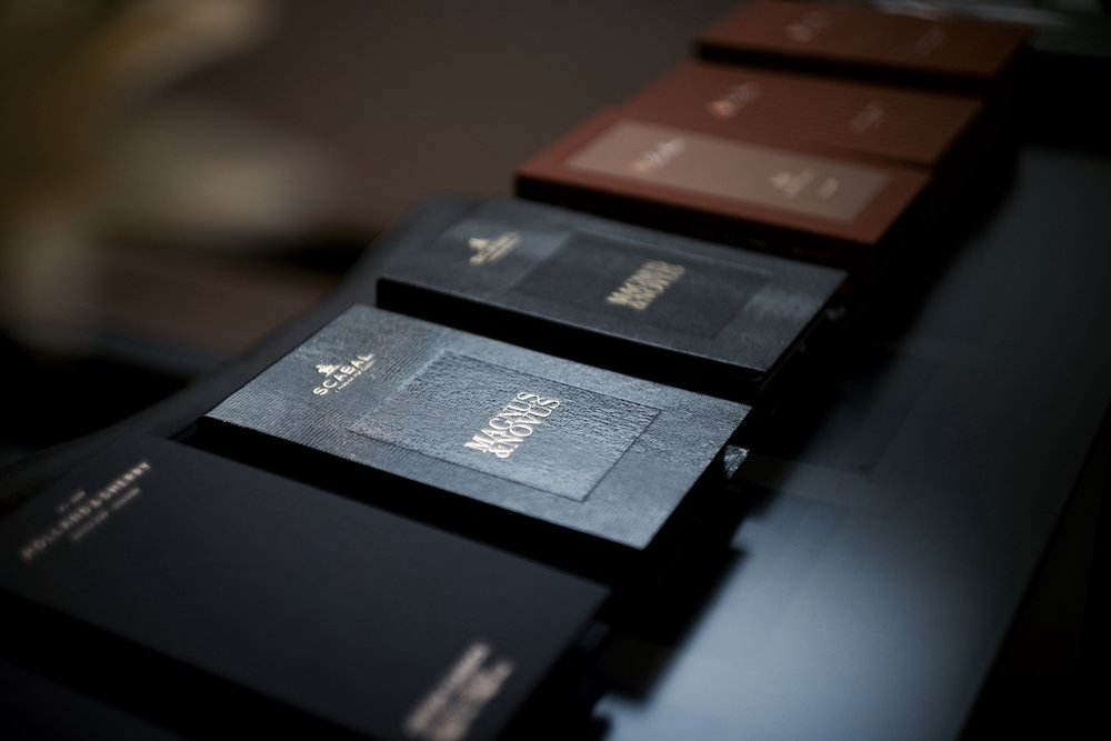 Magnus & Novus - The Finest Cloth for Bespoke Suiting in Hong Kong