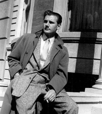 Dare2Draw > Wake up and DrAw! Alex Toth  Born:June 25, 1928,New York City, NY